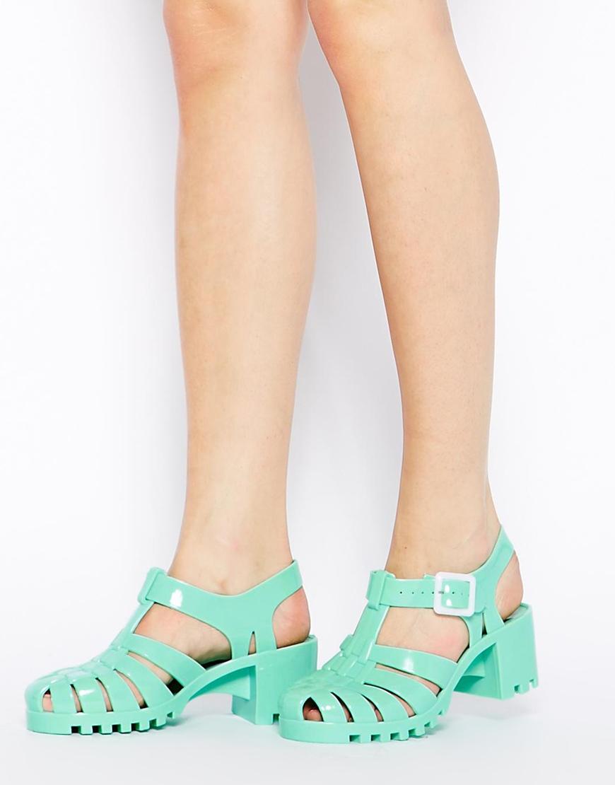 jelly shoes 90s fashion comeback